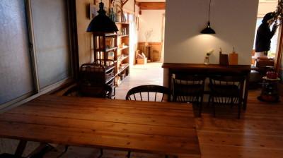 喫茶から見る南の部屋