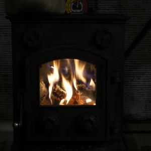 薪ストーブの火入れ